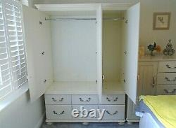 4' 6 Large Kingstown Signature Mirror Door Triple Wardrobe 6 Drawer CAN DELIVER