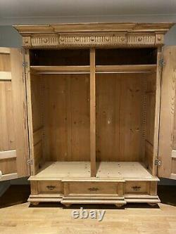 A Beautiful Large Antique/Old Pine 2 Door Knockdown Wardrobe With 3 Drawers