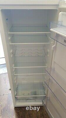 Beko large fridge Lsg35450w 5ft new