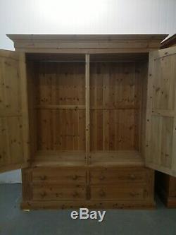 Large 2 Door Door Wardrobe With 4 Drawers FREE DELIVERY