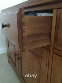 Large 3 drawer 3 door solid oak sideboard