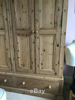 Large 4 Door Solid Pine Wardrobe with Base Drawers