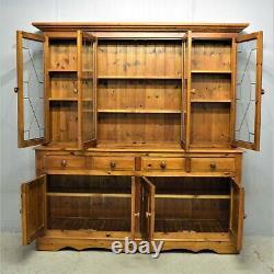 Large Pine Welsh Kitchen Dresser 4 Door Drawer Glazed Top delivery available