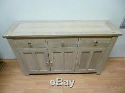 New Large Chunky Solid Light Oak 3 Door 3 Drawer Sideboard Willis & Gambier