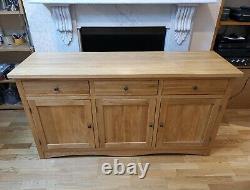 Oak Furnitureland Cairo Large Sideboard Natural Solid Oak 3 Door 3 Drawer